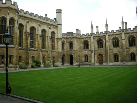 Corpus_Christi_College,_Cambridge_-_New_Court,_looking_North-East (2)
