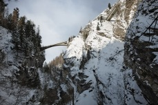The 76m-long Letziwald Bridge in Avers (1959) spans a deep canyon at a height of 85m above the Avers Rhine [© Ralph Feiner]