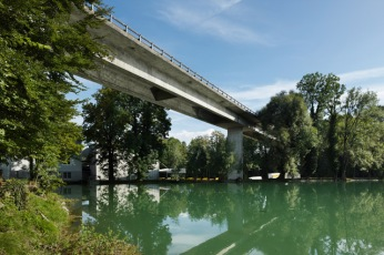 Mühle Rickenbach Viaduct in Will (1964–1965) is a prestressed concrete structure of 257m long and 10.9m wide, with a constant depth of 2.4m [© Ralph Feiner]
